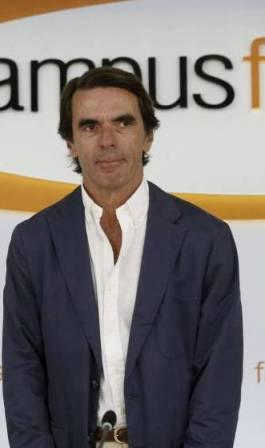 Aznar se aparece